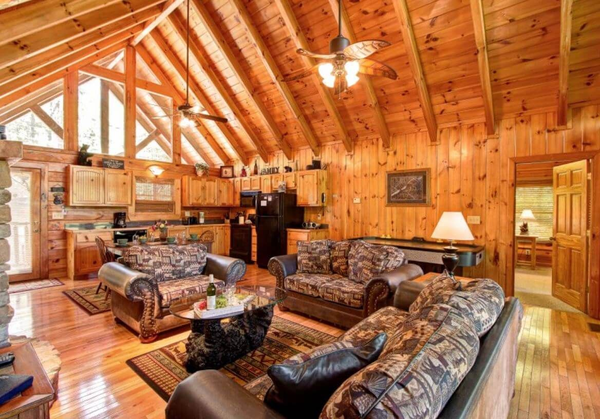 Auntie Belham S Cabin Condo Rentals Pigeon Forge And Gatlinburg Coupons Discounts Available Gatlinburg Cabin Rentals Cabin Gatlinburg Cabins