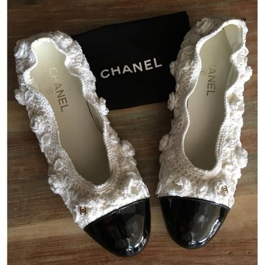 0510ca11367b Chanel White and Black 17c Crochet Knit Patent Cap Toe Cc Cap Toe Ballet Flats  Size