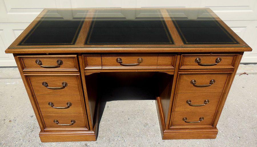 Sligh Lowry Executive Kneehole Desk W Inlaid Leather Top Pedestal Writing Slighlowry