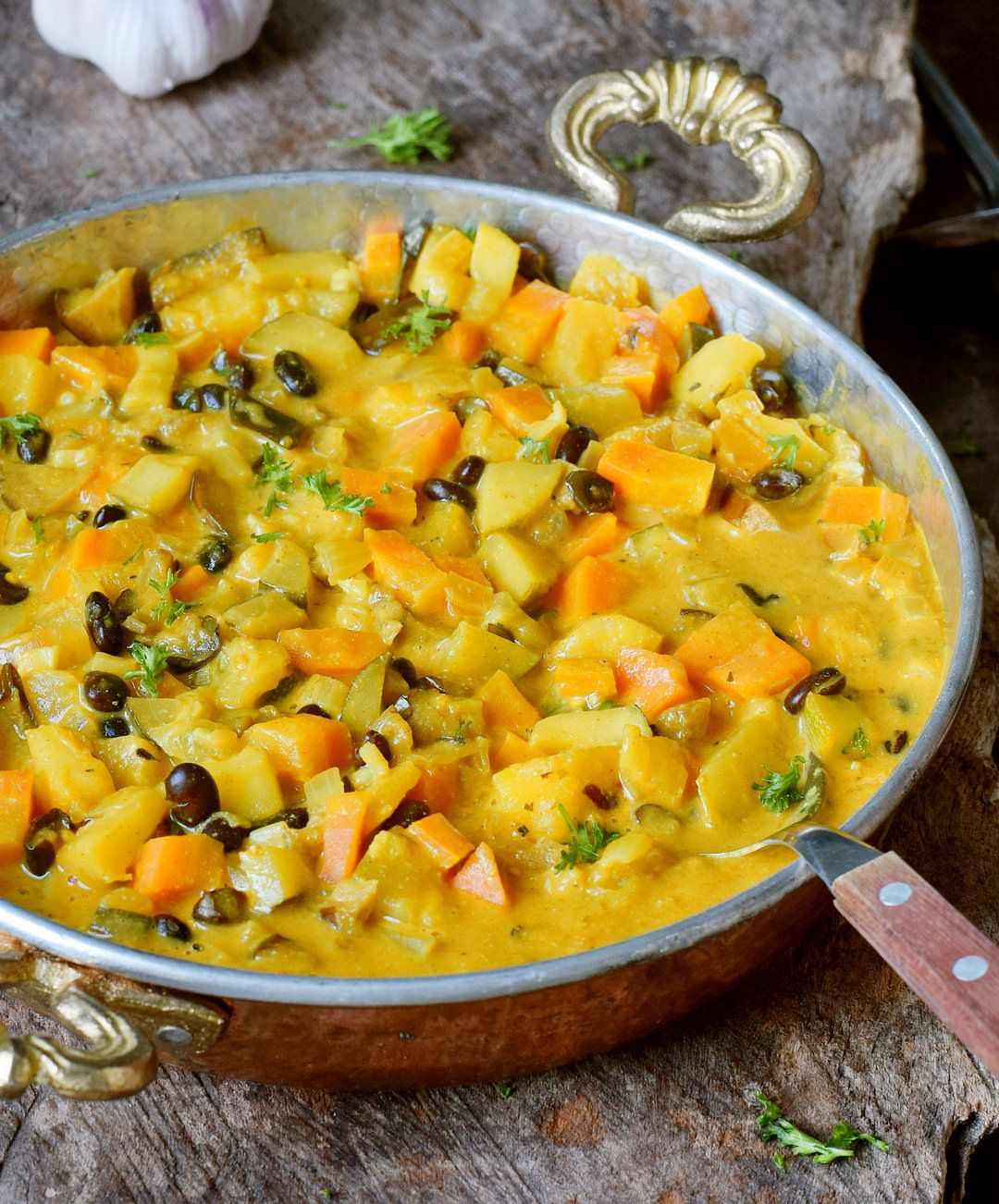 Vegetable Curry Recipe With Coconut Milk Pineapple And Chickpeas Or Beans This Healthy Comfort Vegetable Curry Recipes Curry Recipes Easy Vegetable Curry