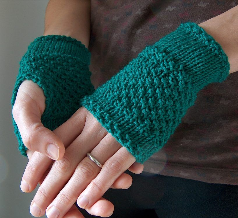 Free knitting pattern for Emerald Handwarmer easy fingerless mitts ...