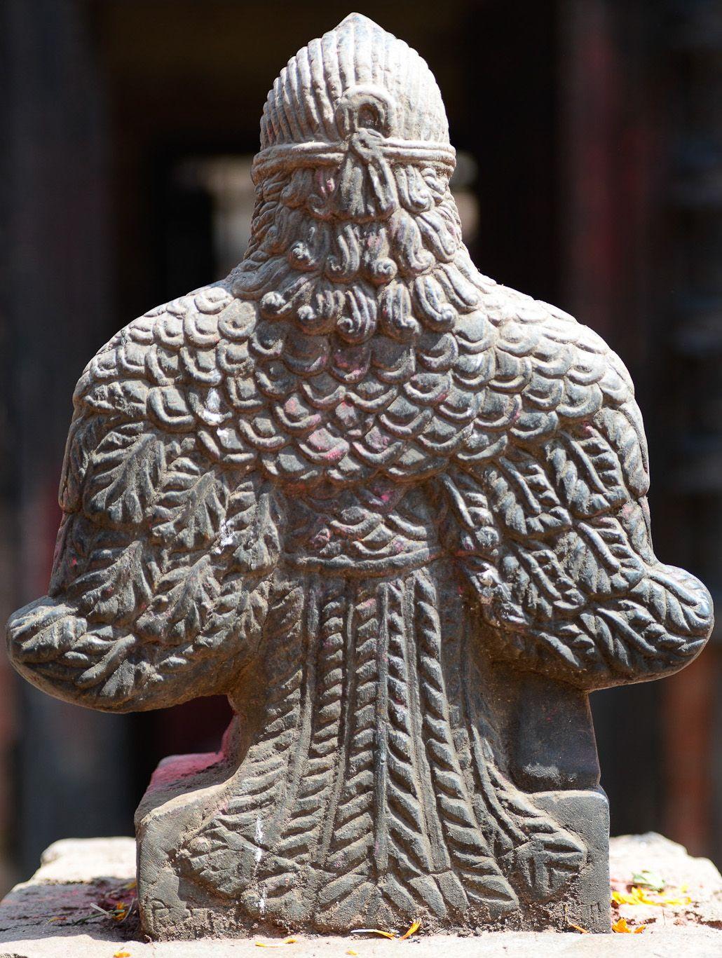 Garuda back nepal garuda periyathiruvadi garudalwar