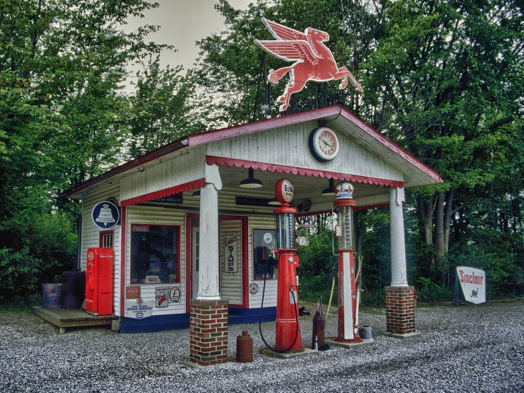 Flickr Old gas stations, Gas station, Vintage gas pumps