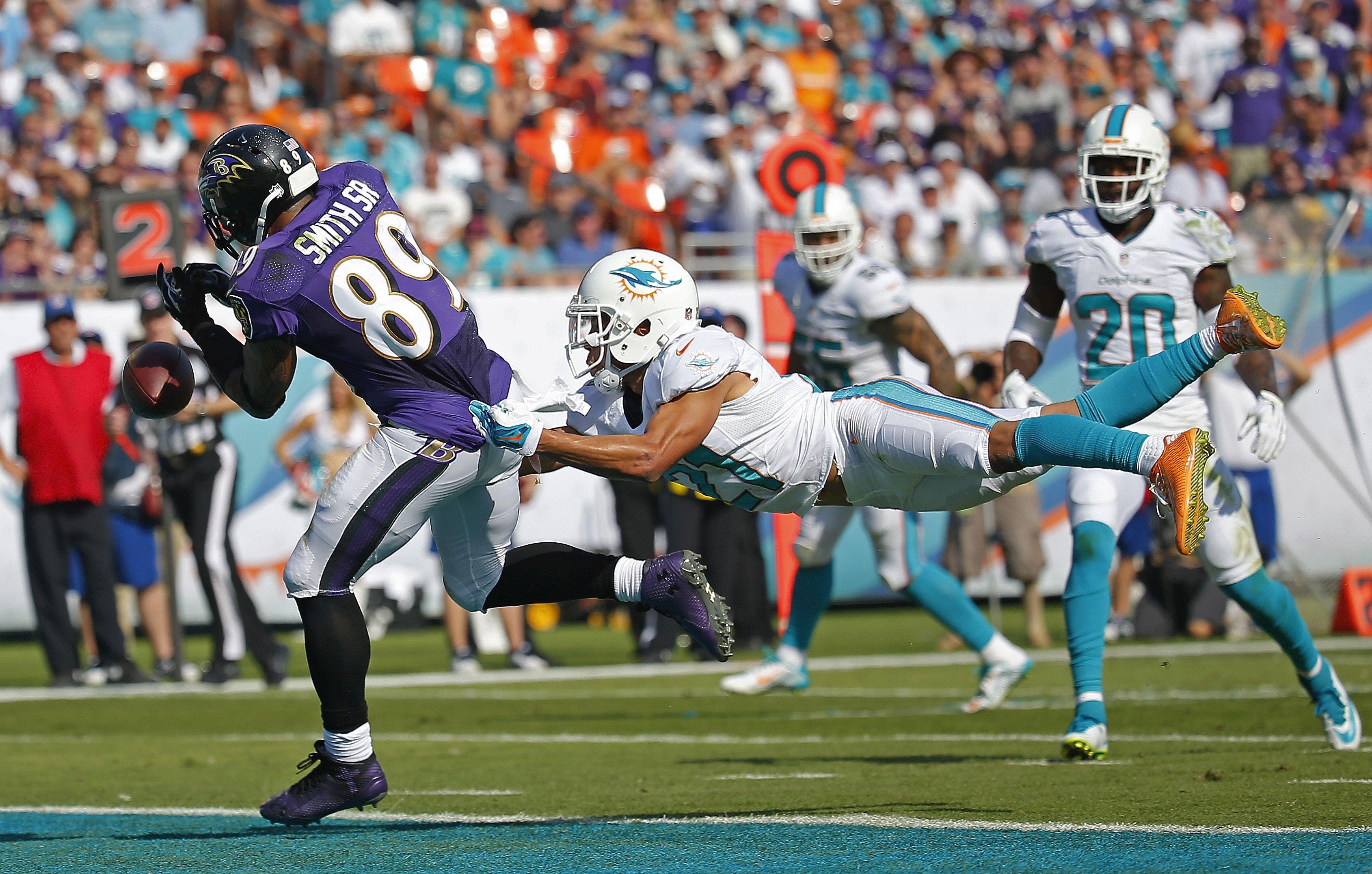 Ravens Vs Dolphins Miami Dolphins Dolphins Football Helmets