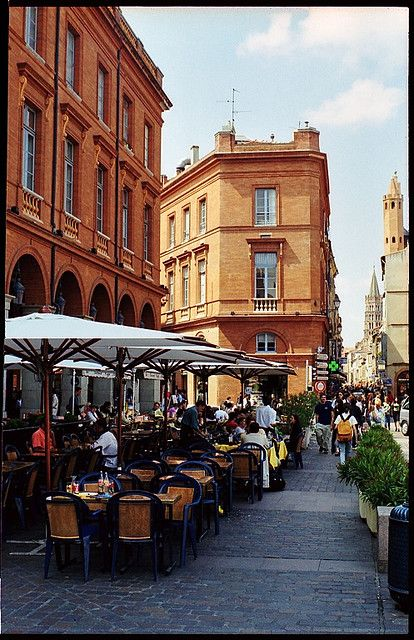 my aunt spent much of her life in toulouse, france. she died before I was born, so i'd love to go visit & explore her local haunts & cafes - she hung at all the hip places, i'm sure