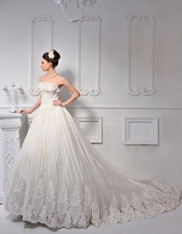 New Ivory White Wedding Dress #wedding #dress www.loveitsomuch.com