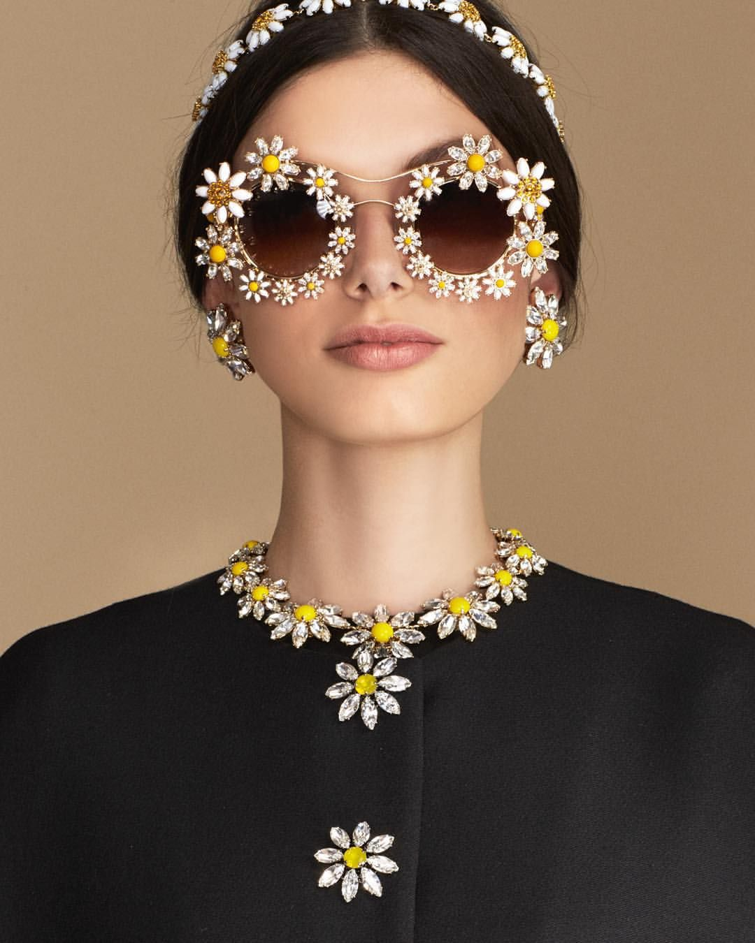 """Loves Me, Loves Me Not"" until the last petal. Discover the Daisy collection at the link in bio. #DGeyewear #DGwomen #dolcegabbana"