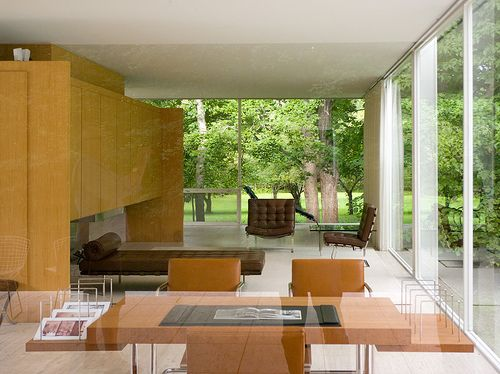 Farnsworth House Interior   Mies Van Der Rohe. Notice The Barcelona Chairs  Manufactured By Knoll