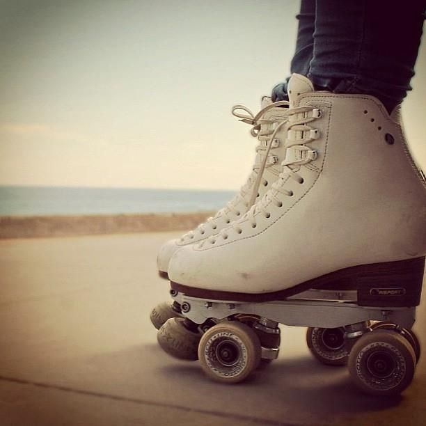 9b34a29f5a84a2 Vintage Roller Skates // White Retro Skates // Vintage Roller Derby Skates  // Sure Grip Ridell Skates