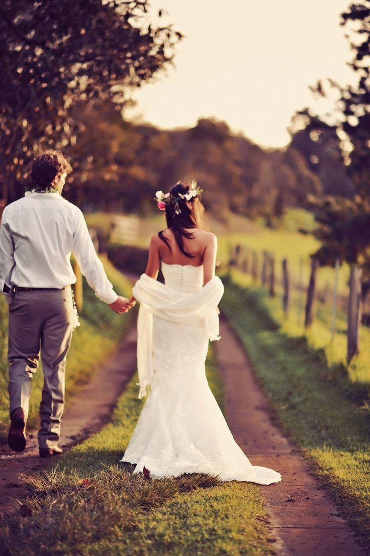 mettre une etole sur une robe de mariee