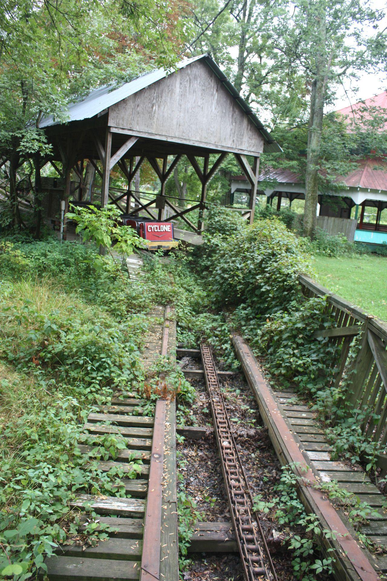 Pin By Chris Vigorito On Abandoned Amusement Parks Abandoned Theme Parks Abandoned Amusement Parks Abandoned Places