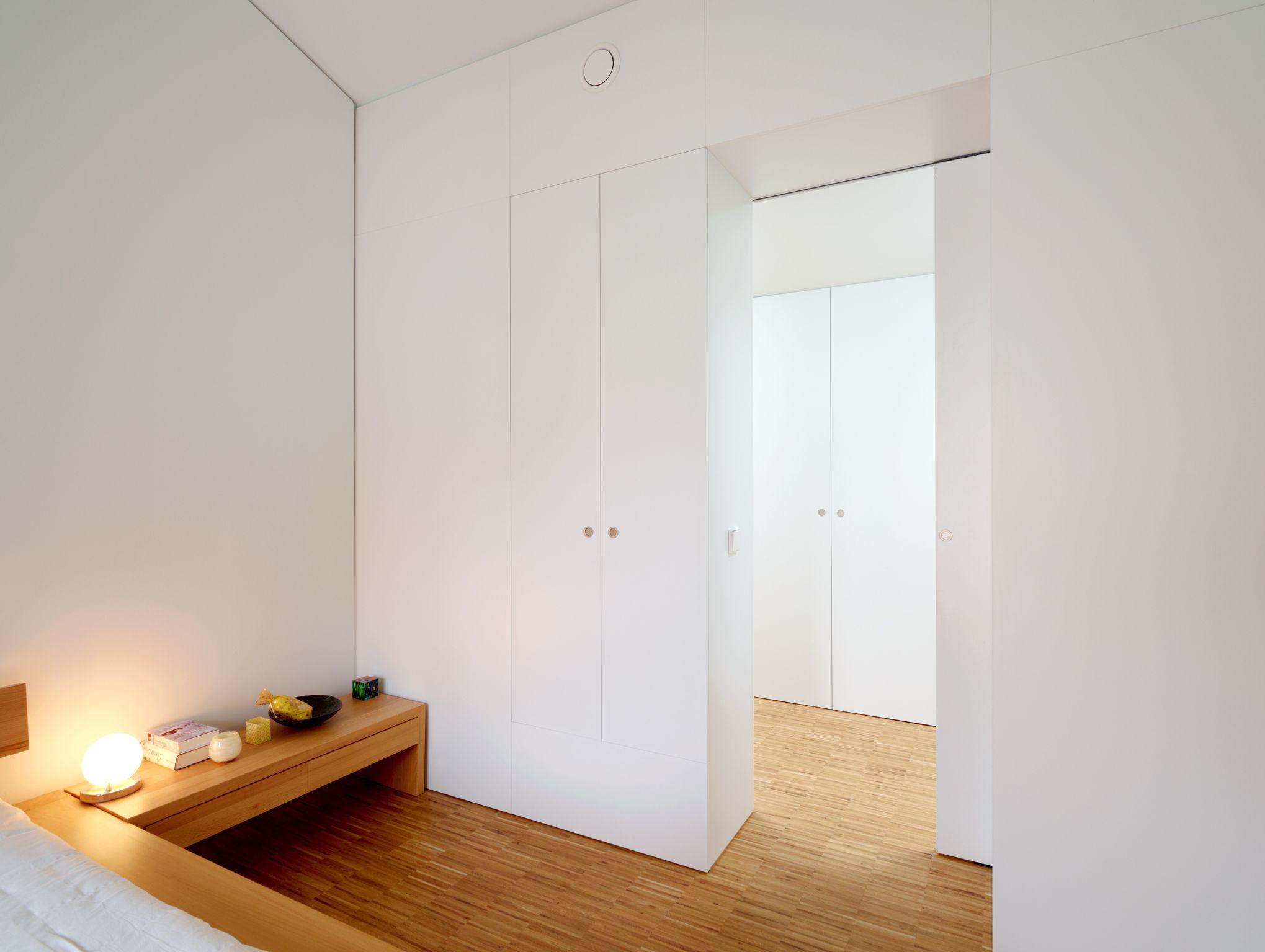 #Einbaumöbel in #Schlafzimmer                        © www.buchenblau.de