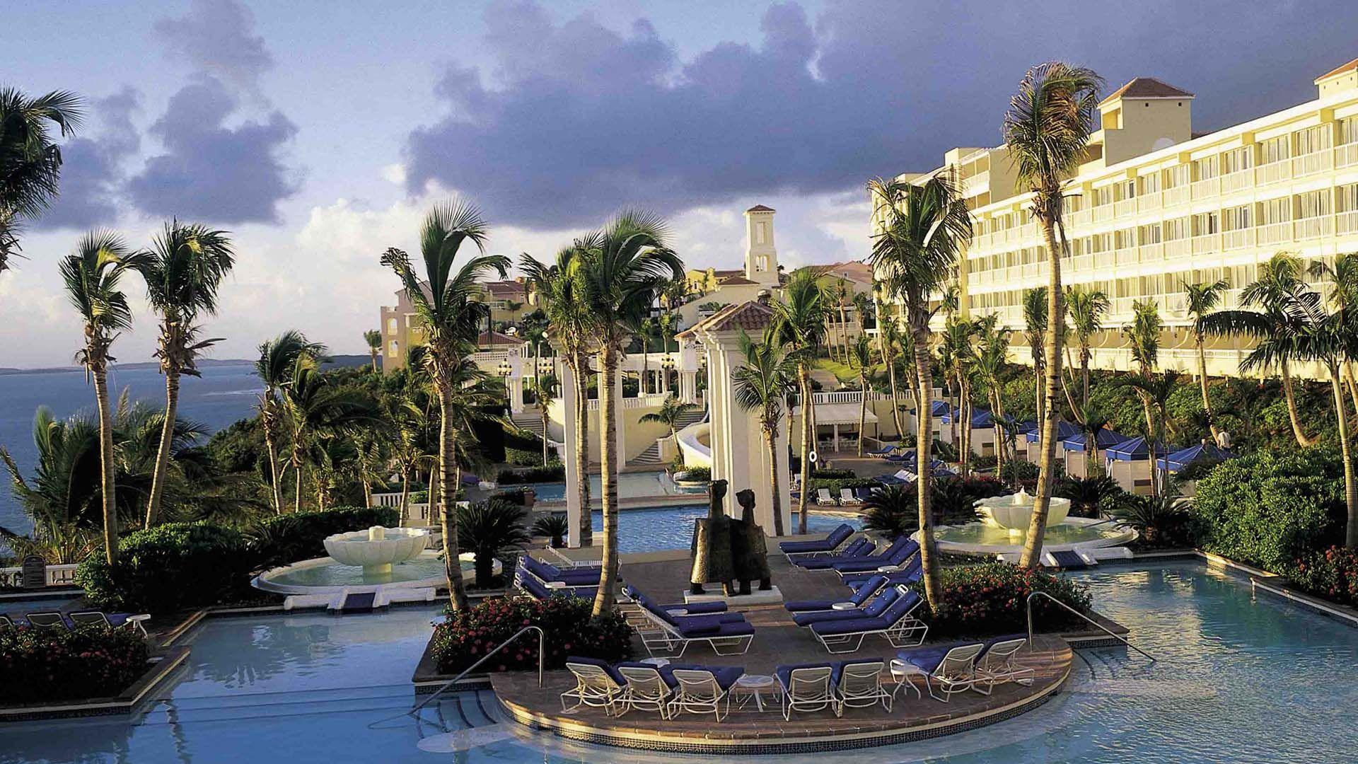 El Conquistador Resort and Casino, zona centro de la piscina