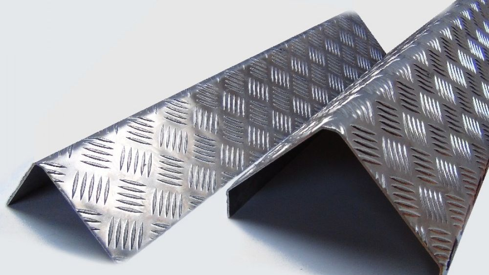 Checker Plate Corner Guards For Corner Protection Order Online At Chequerplatedirect Co Uk Checkerplate Chequerp Corner Guards Plates Checker
