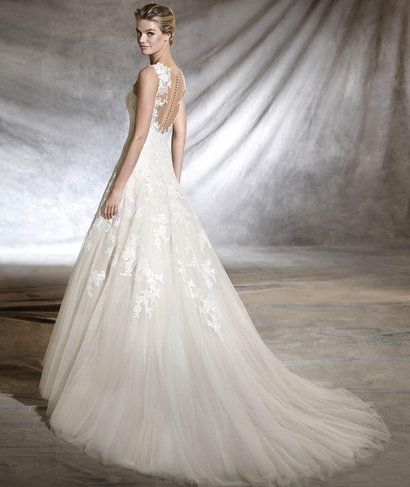 OLWEN Princess wedding dress with an A line skirt