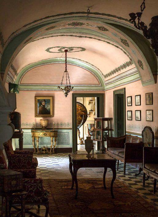 Traditional Italian Living Room Sets: Noto-palazzo-sicilia-mattia-aquila-photography-04
