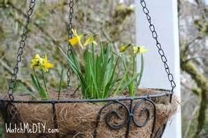 Front Porch Spring Decor After 1