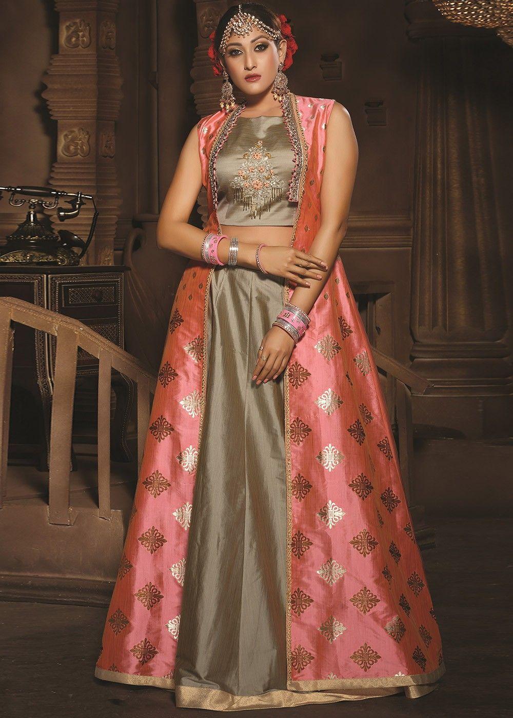 16c9119f1c #Indowesternoutfit #Indowesterngown #Indowesterngowns #Indowesterndress  #Indiangowns #Indowesternfashion #womenfashion #dresses #ladiesfashion  #fashiontips ...