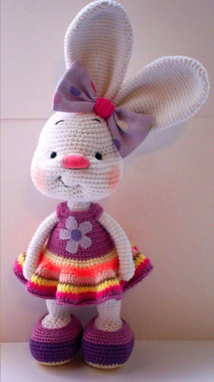 Pretty bunny amigurumi in dress | Häkeln, Hase und Ostern