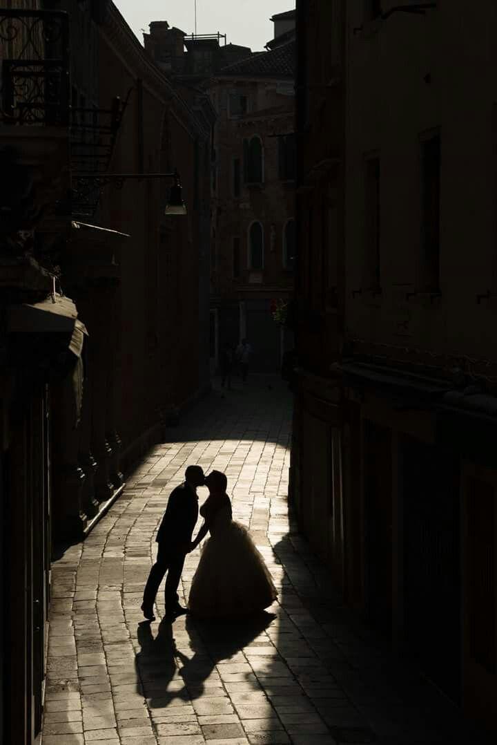 Wedding venice kiss italy