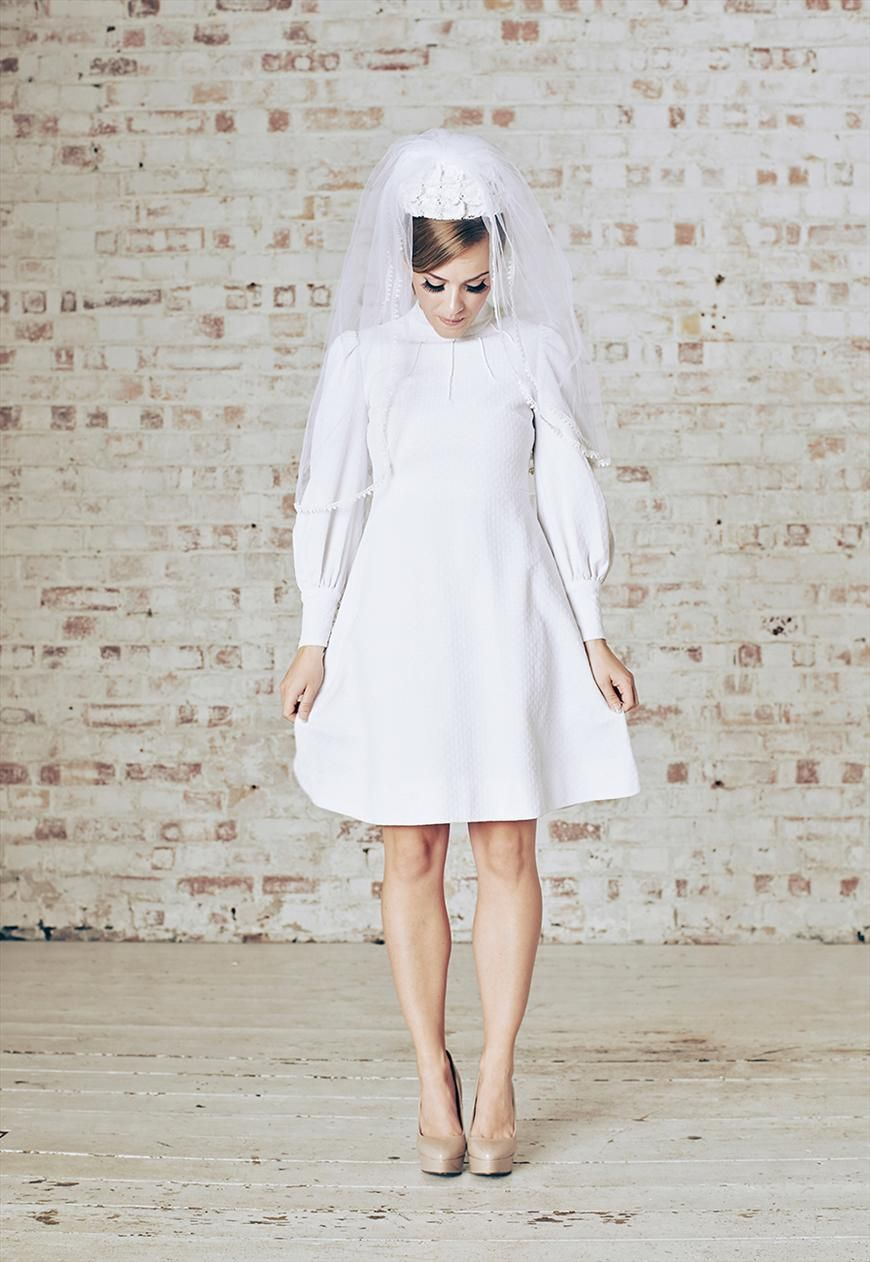 1960s vintage mod white mini wedding dress & veil uk6/8