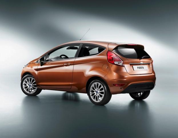 Auto Gpl Nuove Economiche La Nuova Ford Fiesta Completa Con Un Motore Turbobenzina Da 1 Litro Confortevole Trasportato Ovunque Auto Trasporti Motori