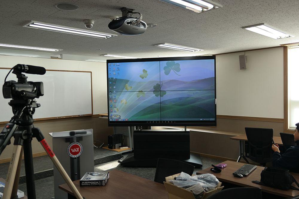 용인 세무대에 설치한 110인치 LED스마트전자칠판입니다. 큰 고화질 화면이 시원시원합니다. ^^ http://smart-touch.biz/shop/main/index.php