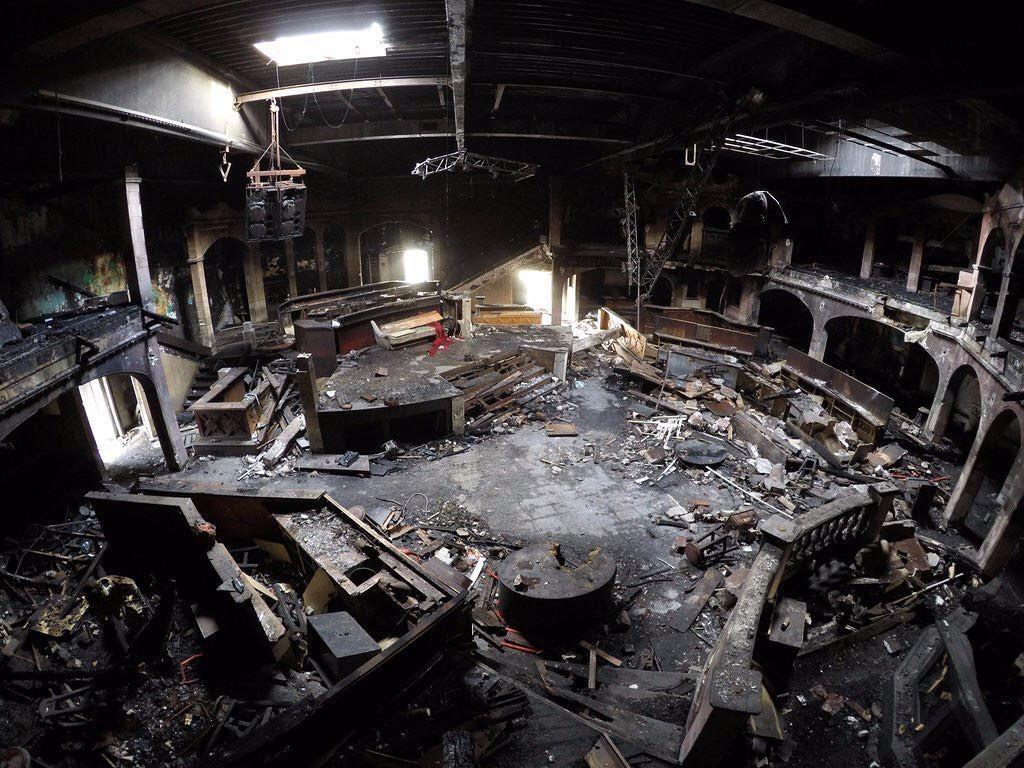 The burned disco - trashed af. #lost #place #urban #exploration #urbex #urbexworld #abandoned #abandonedplaces #disco by tbexr