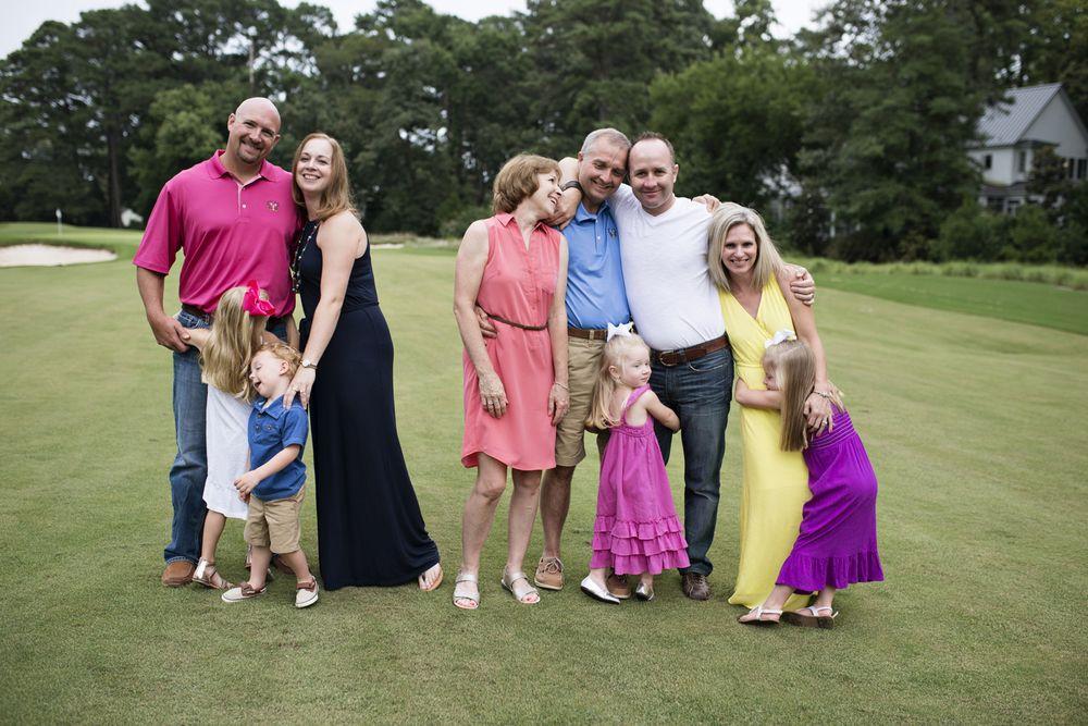 family portraitsat Princess Anne Country Club Golf Course in Virginia Beach