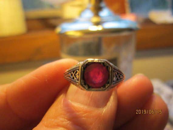 Vintage Art Deco 1.00ct Natural Ruby 925 Solid Sterling Silver Ring Sz 6.75, Weight 2.1 Grams
