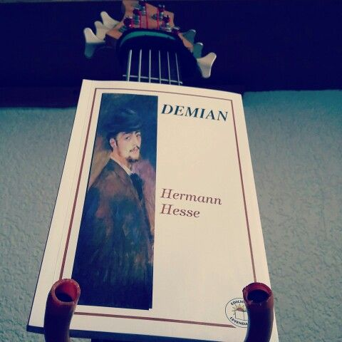 Hermann Hesse / Demian. Ameno viaje con este libro.