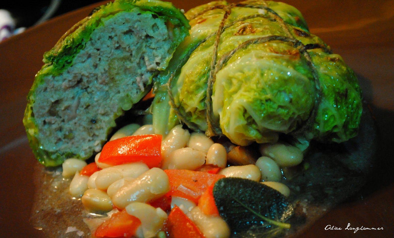 Alice im kulinarischen Wunderland: Poletto Nr. 2 - Wirsingwickel mit Salsiccia und weißen Bohnen
