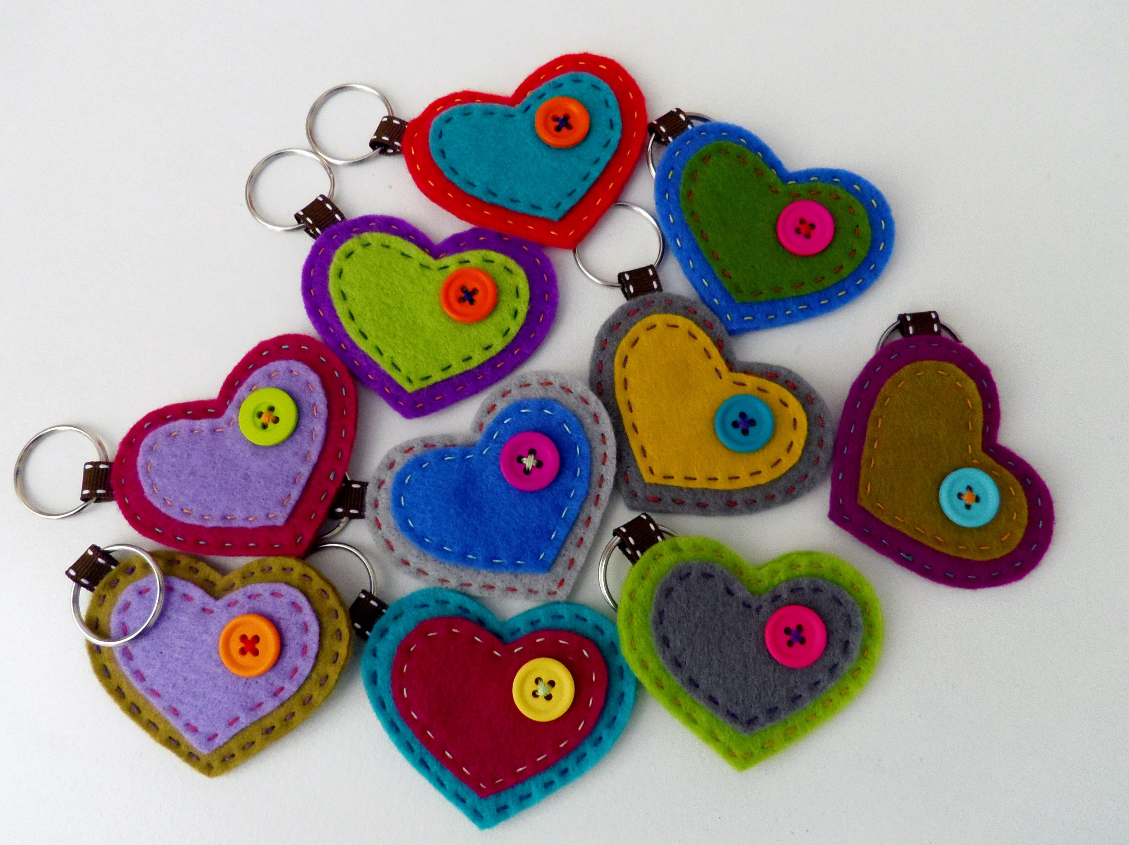 Portachiavi feltro cuori san valentino per il giorno di for Oggetti da regalo