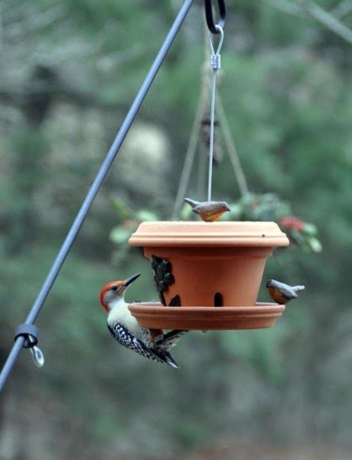 mangeoire pour oiseaux 60 mod les et id es diy mangeoire pour oiseaux mangeoire et terre cuite. Black Bedroom Furniture Sets. Home Design Ideas