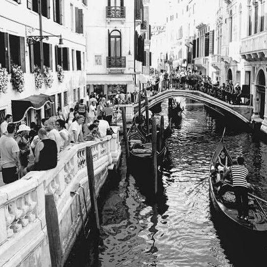 Amazing moment in Venice 2011  #venice #italy #bwphoto #travelphotography #instatravel #gondola #chanellover #people #dayshots #blackandwhite #photooftheday #amazingplace #venezia #frozentime #traveller #blackandwhitephotography #streetphotography #streetphoto #cityscape