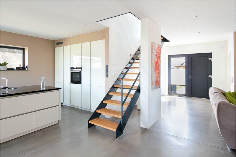 stadtvilla mit loft charakter eco system haus wohnen. Black Bedroom Furniture Sets. Home Design Ideas