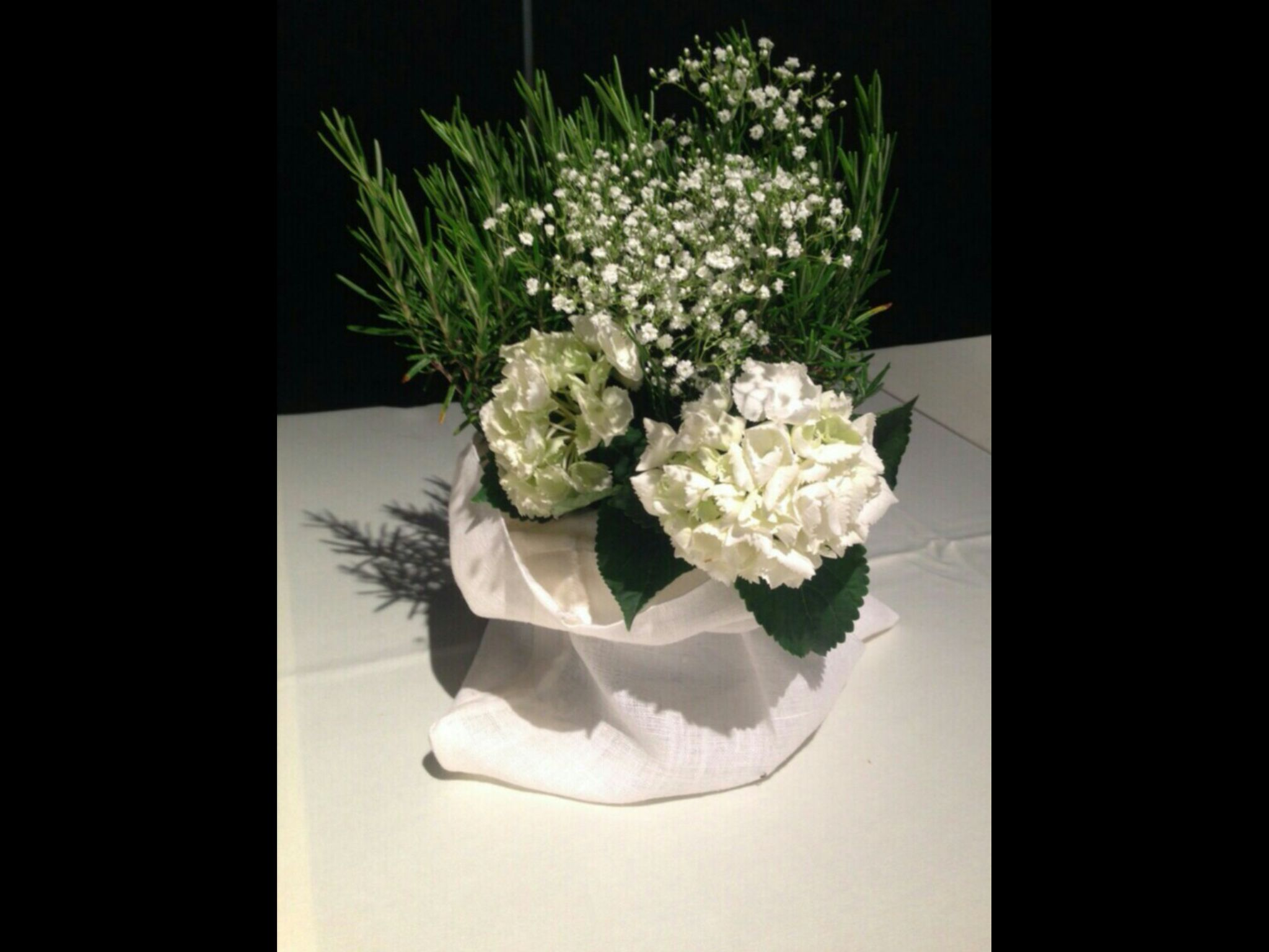 Bouquet Sposa Erbe Aromatiche.Erbe Aromatiche Ortensia Velo Da Sposa Cache Pot Di Lino Velo