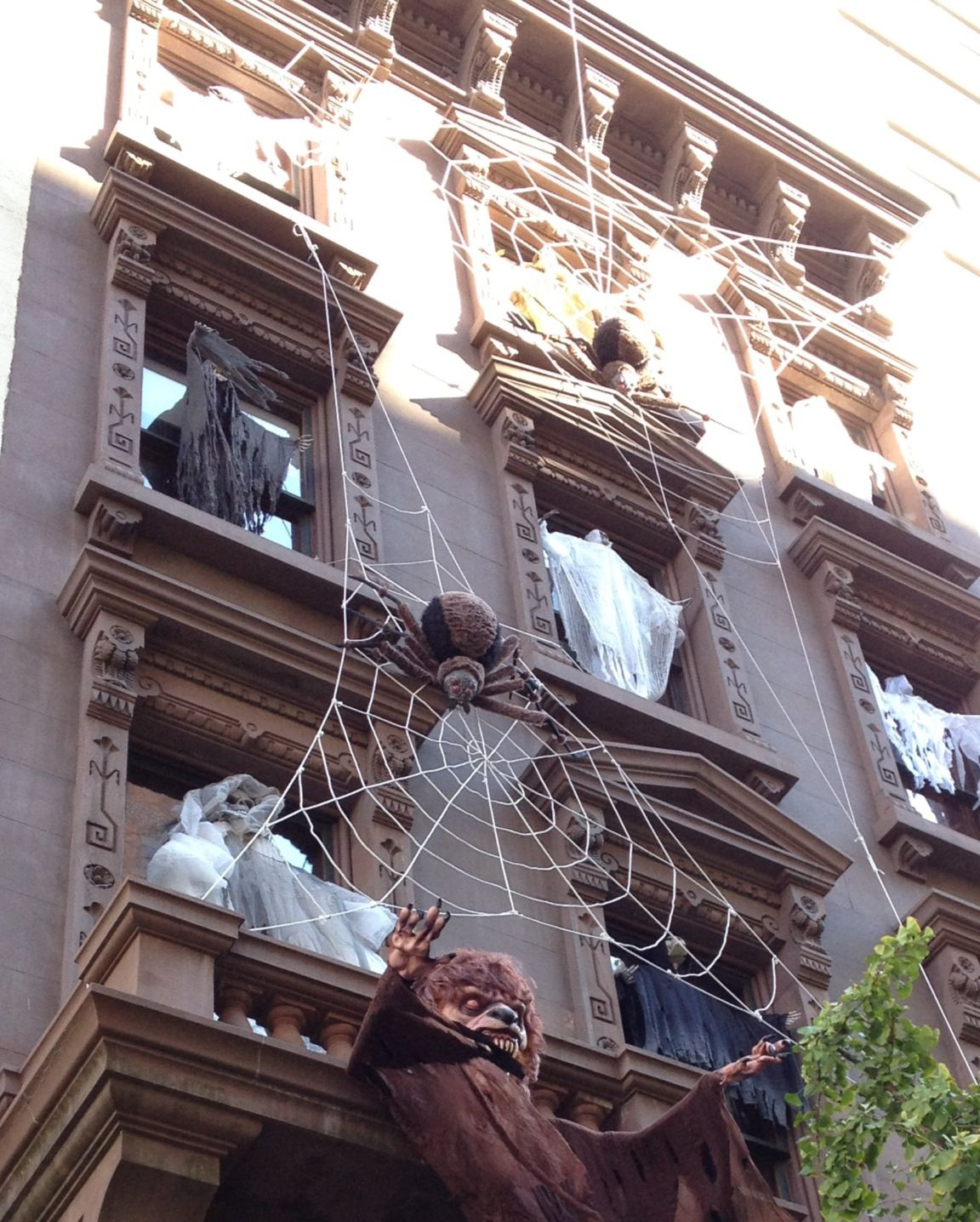 Brownstone Decorating Ideas: Halloween Decorations On A New York City Brownstone.
