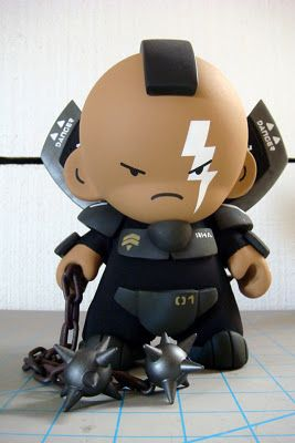 Super Punch: Custom toys by Huck Gee
