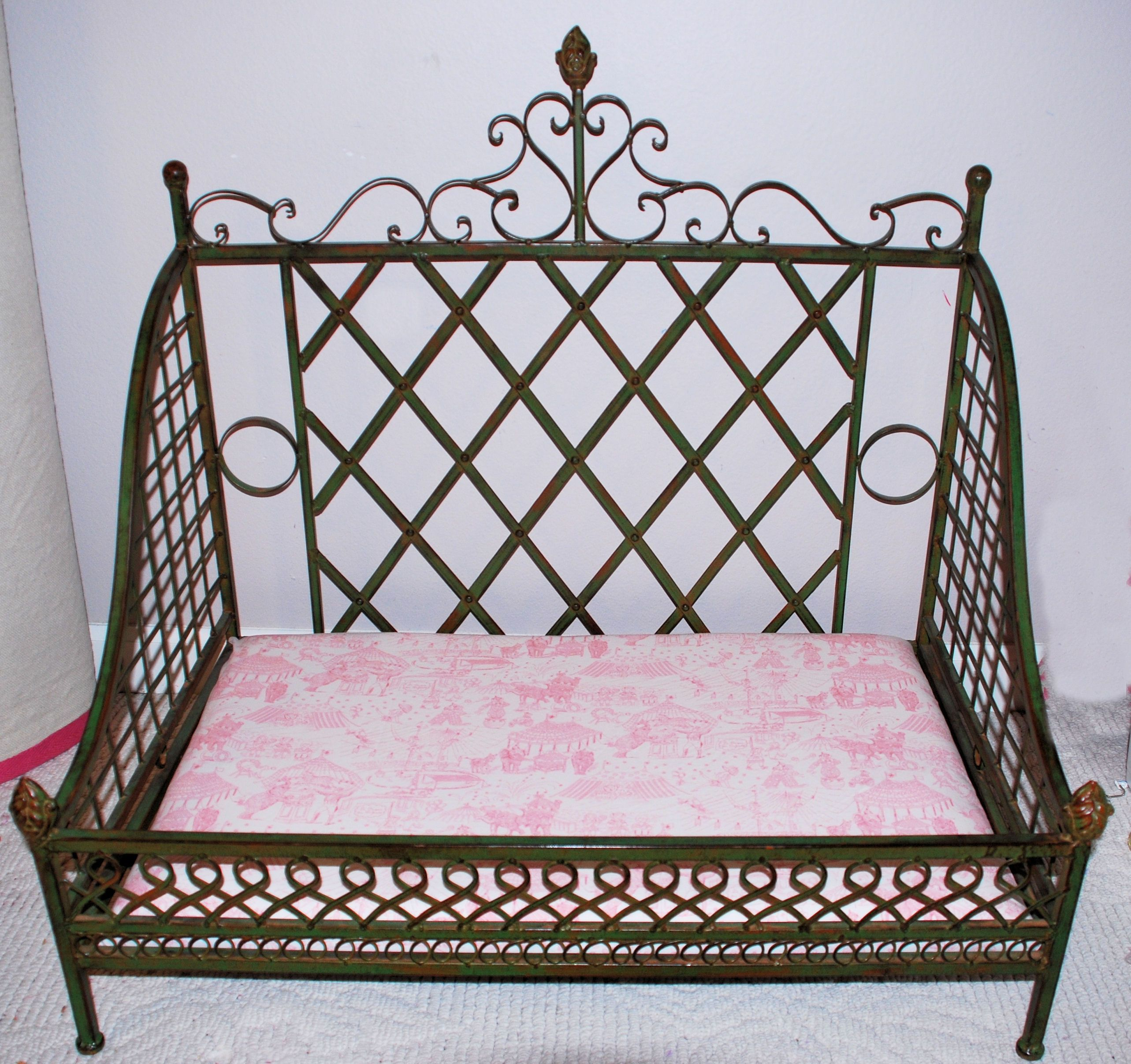 Fancy iron DOLL BED!! Iron dog bed (new) purchased at