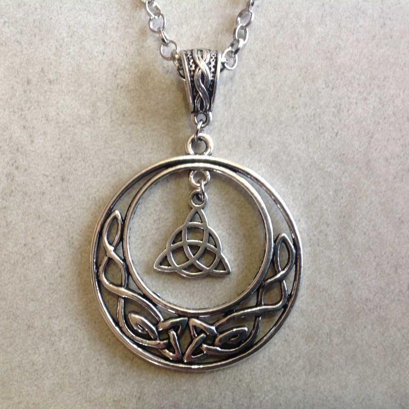 collier lune celtique