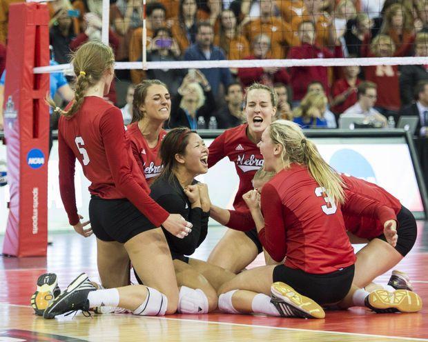 Kentucky Vs Nebraska 9 8 2012 Nebraska Female Volleyball Players Husker