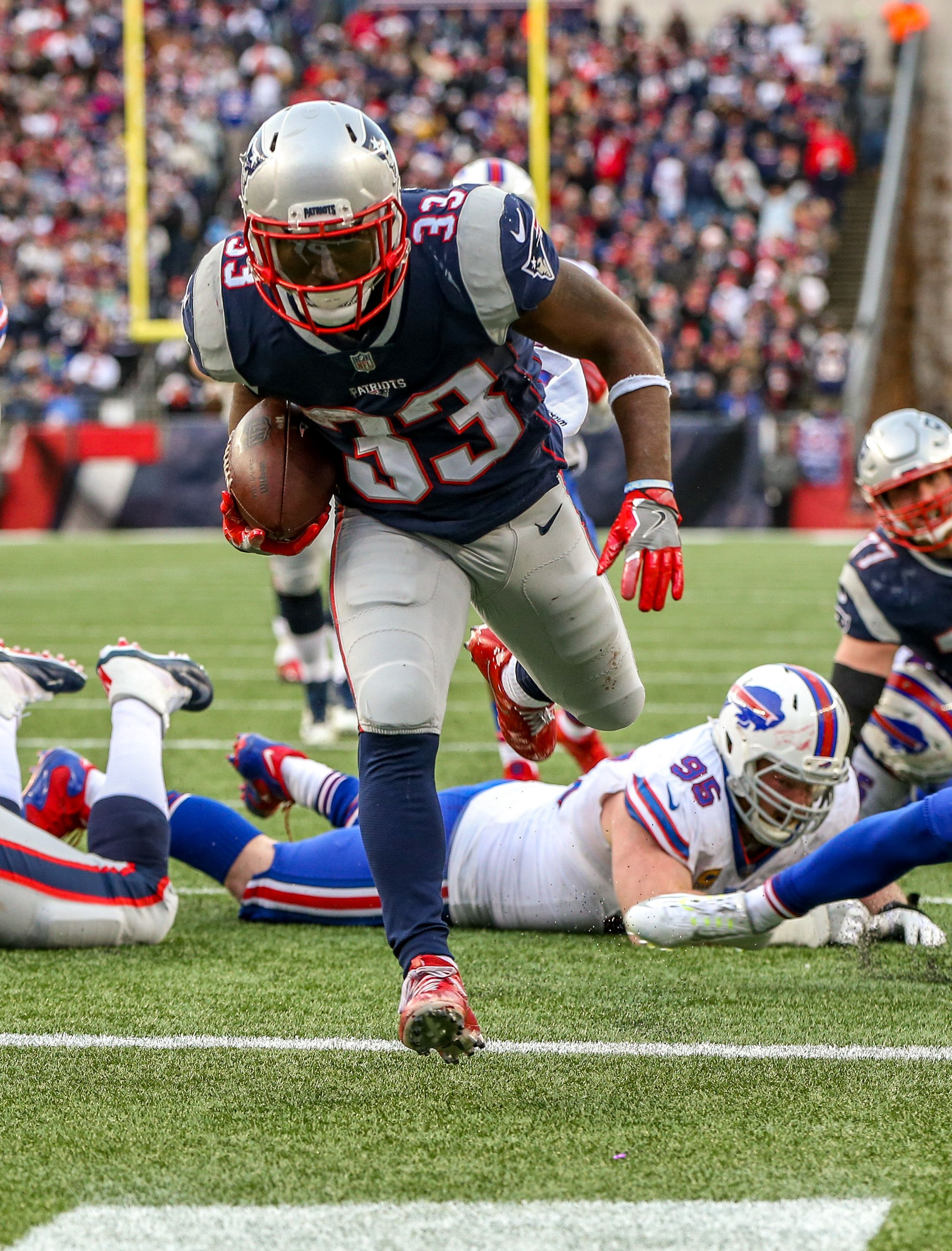 Analyzing The Patriots 3 Potential Divisional Round Opponents Pats Pulpitclockmenumore Arrowno Patriots Football Funny Football Pictures New England Patriots