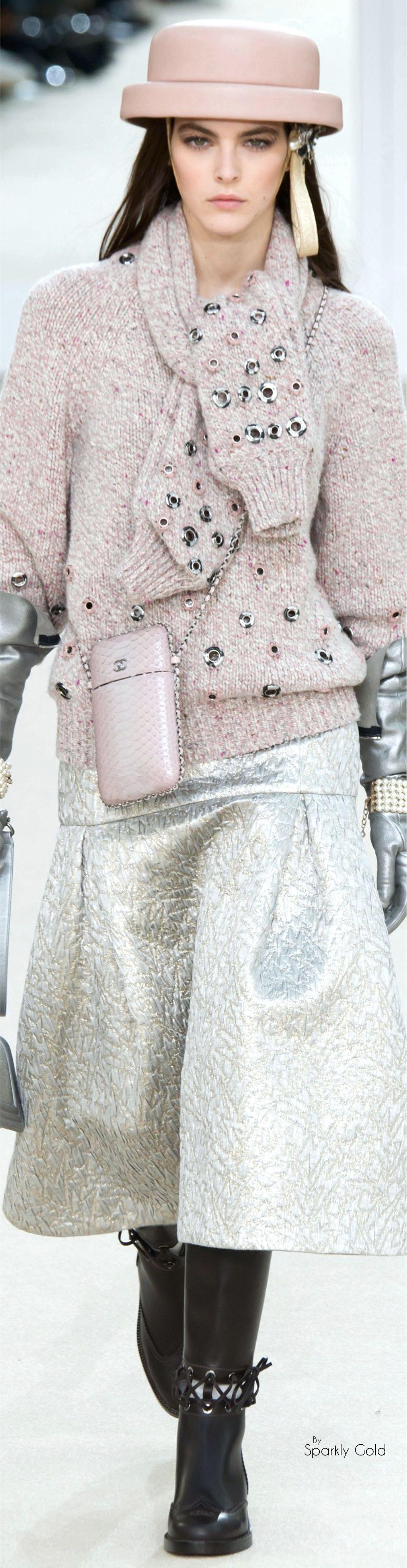 Chanel prêt-à-porter automne-hiver 2016-17 #Chanel #ChanelFallWinter2017 |espridegabrielle.com #espritdegabrielle
