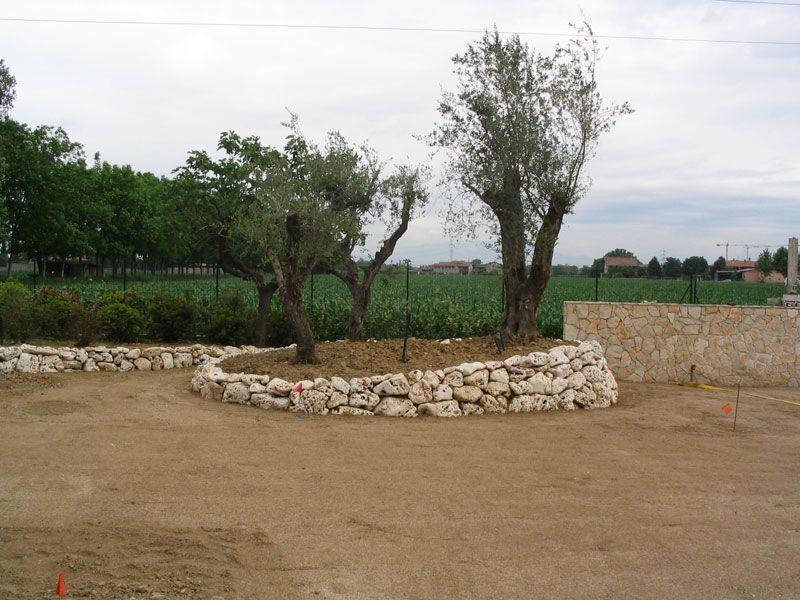Muretti giardino garden pinterest giardino giardino - Muretti in pietra giardino ...