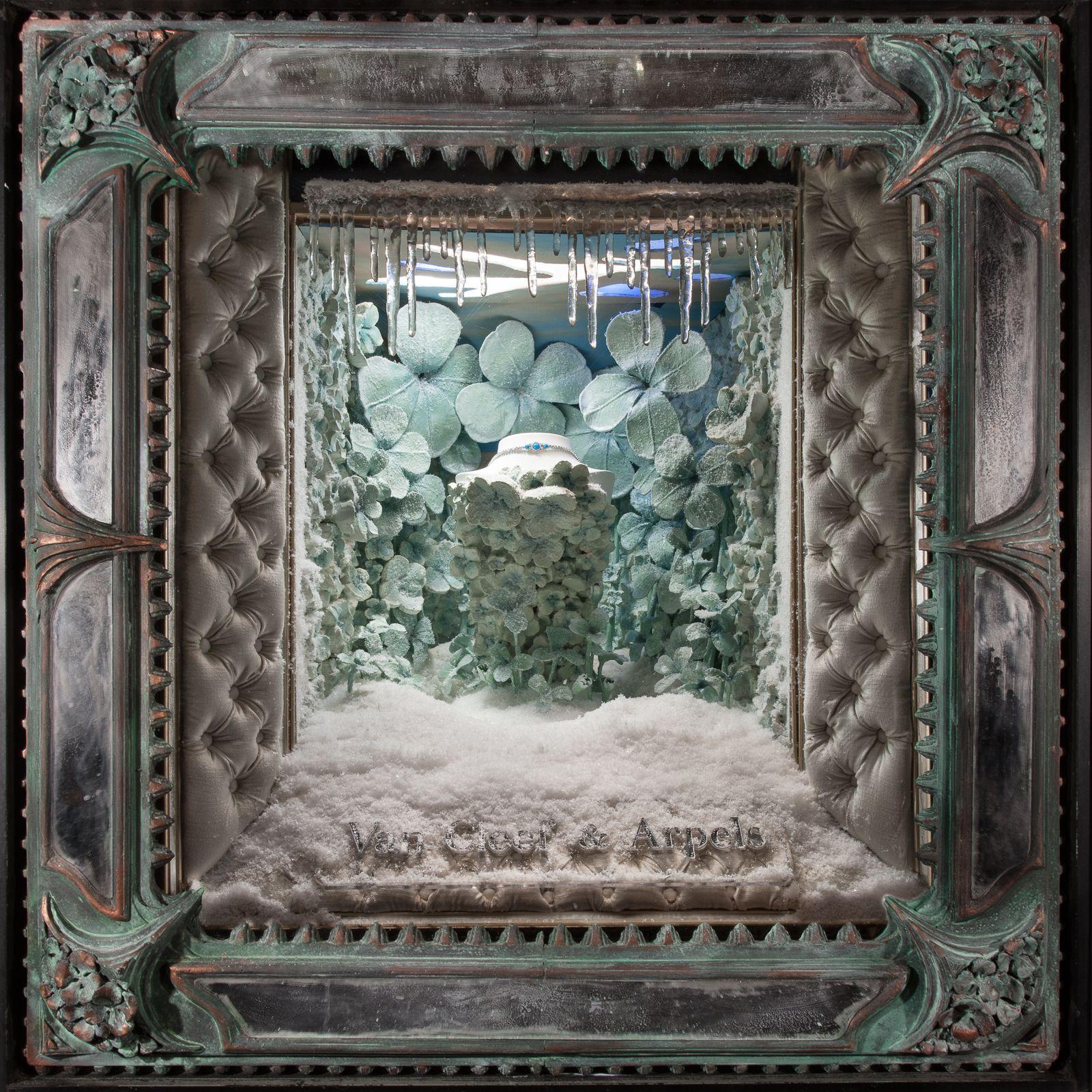 Window display ideas for jewellery  holiday season window displays  by douglas little van cleef