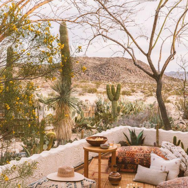 Terrasse façon riad marocain | Terrasse, Salon d extérieur et Terrasse blanche