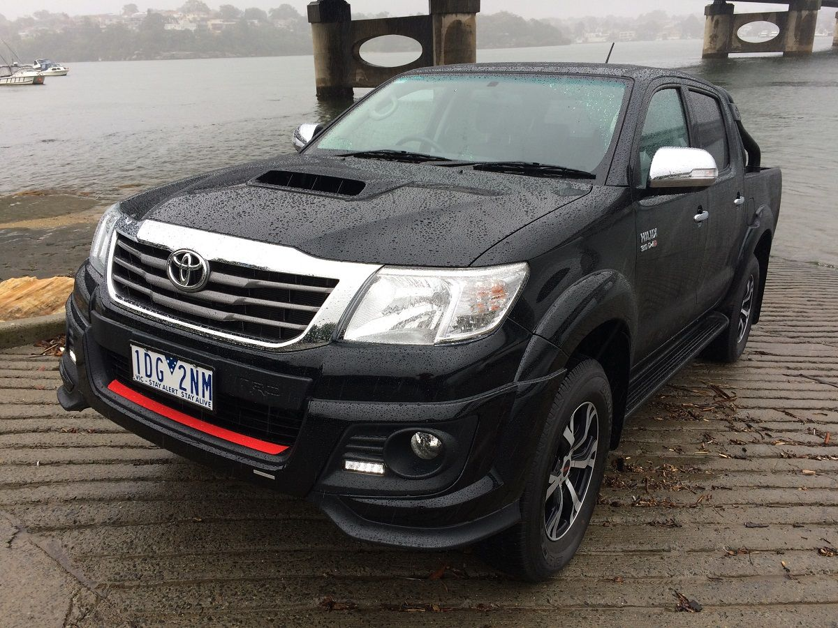 Joel helmes road tests and reviews the 2015 toyota hilux 2015 toyota hilux black edition