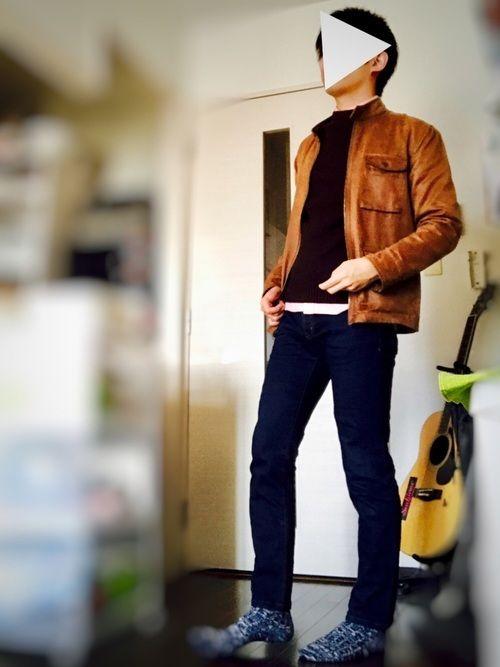 セーター × デニムコーデです ピンクシャツを差し色にしています✨