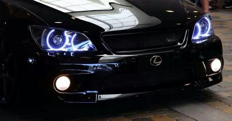 Neat Halo Lights With Unique Badge Placement And Mesh Bumper Lexus Is300 Lexus Car